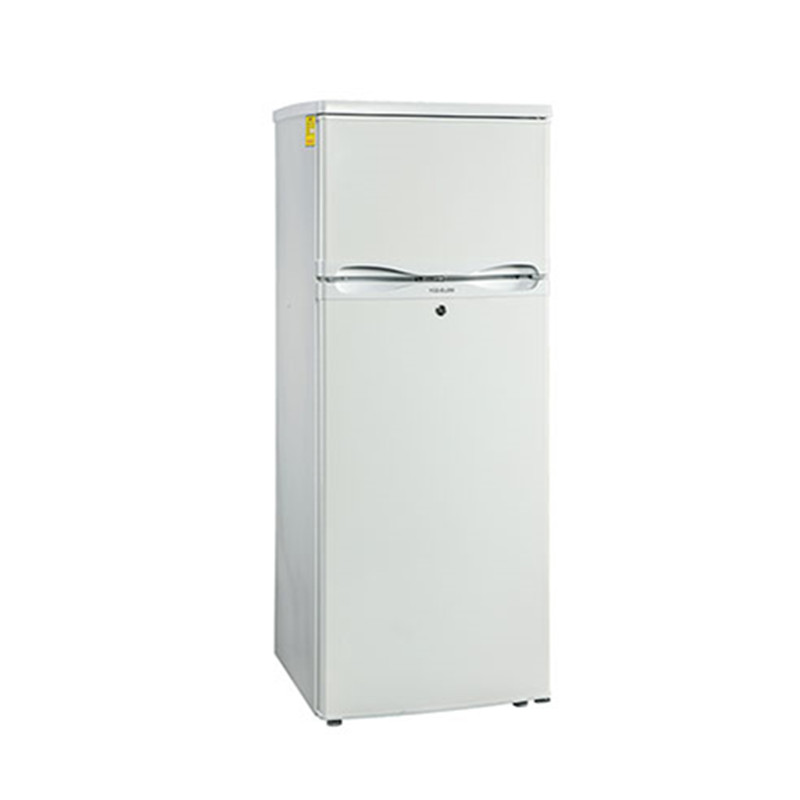 Combined refrigerator and freezer